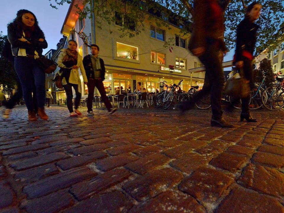 Eine Serie von Straftaten beschäftigt ...n ist auch der Stühlinger Kirchplatz.   | Foto: Michael Bamberger