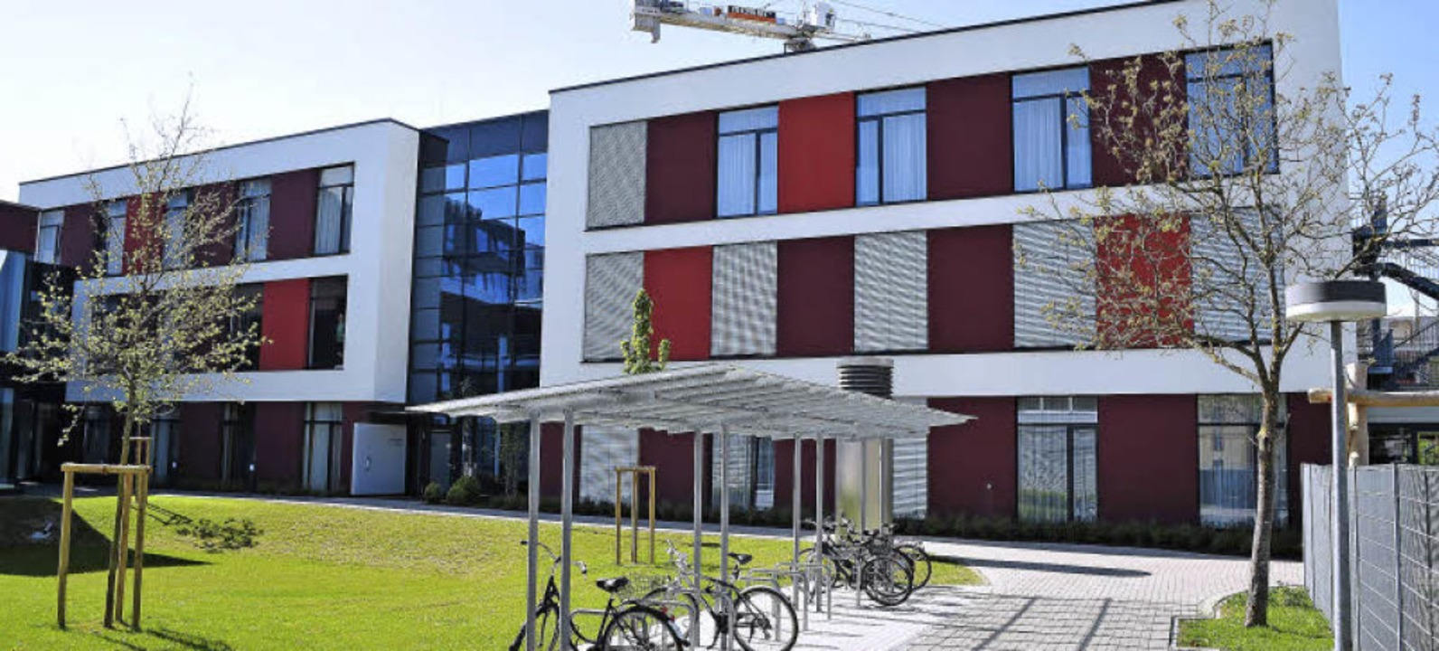 Wo bis zum Jahr 2009 die Reithalle sta...zur HNO-Klinik der Universität gehört.    Foto: Thomas Kunz