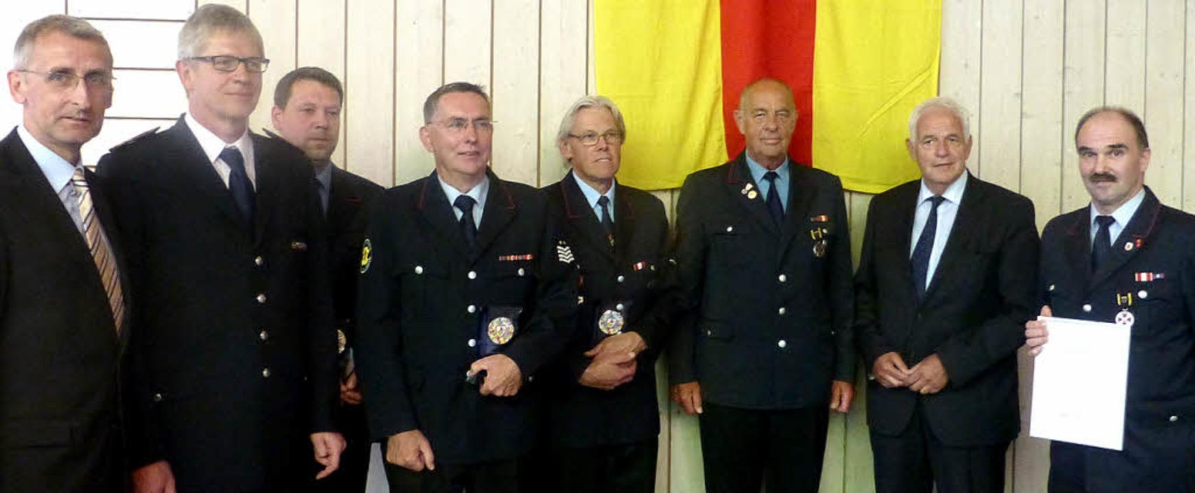 MdB-Armin Schuster (links), Verbandsvo...ard Thomann, Kurt Hupfer (von links).   | Foto: Reinhardt