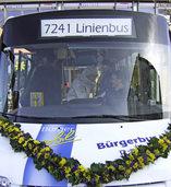Ein Bus, der Ortsteilen dient