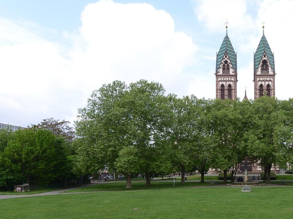 Ein grüne Idylle in der Stadt?  Der Park im Stadtteil Stühlinger    Foto: Ingo Schneider