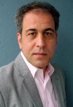 Amir Vahid Yousefnia (Steinen)