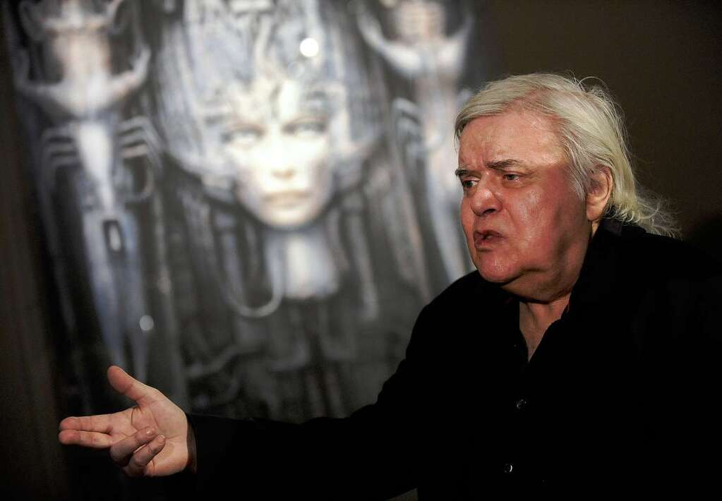 kultur schweiz k nstler h r giger stirbt im alter von 74 jahren badische. Black Bedroom Furniture Sets. Home Design Ideas