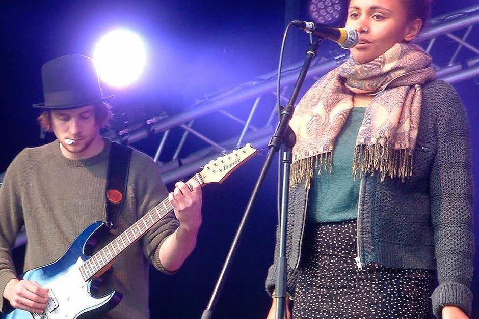 """Klare Stimme:  Sängerin Larissa Rapold von der Band """"Loaf of stone"""". (Foto: Roswitha Frey)"""