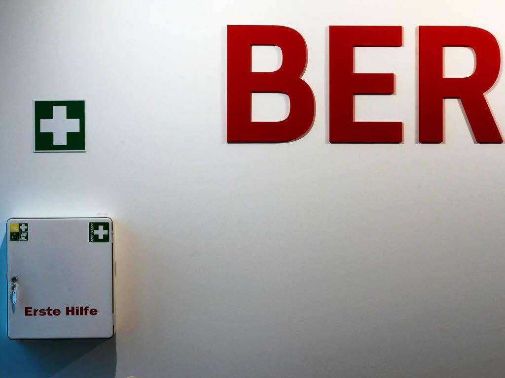 dobrindt will skandal airport pr fen lassen deutschland badische zeitung. Black Bedroom Furniture Sets. Home Design Ideas
