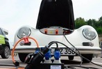Elektroautos am Wasserkraftwerk