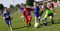 Kleine Ballk�nstler hatten gro�en Spa� beim Kicken