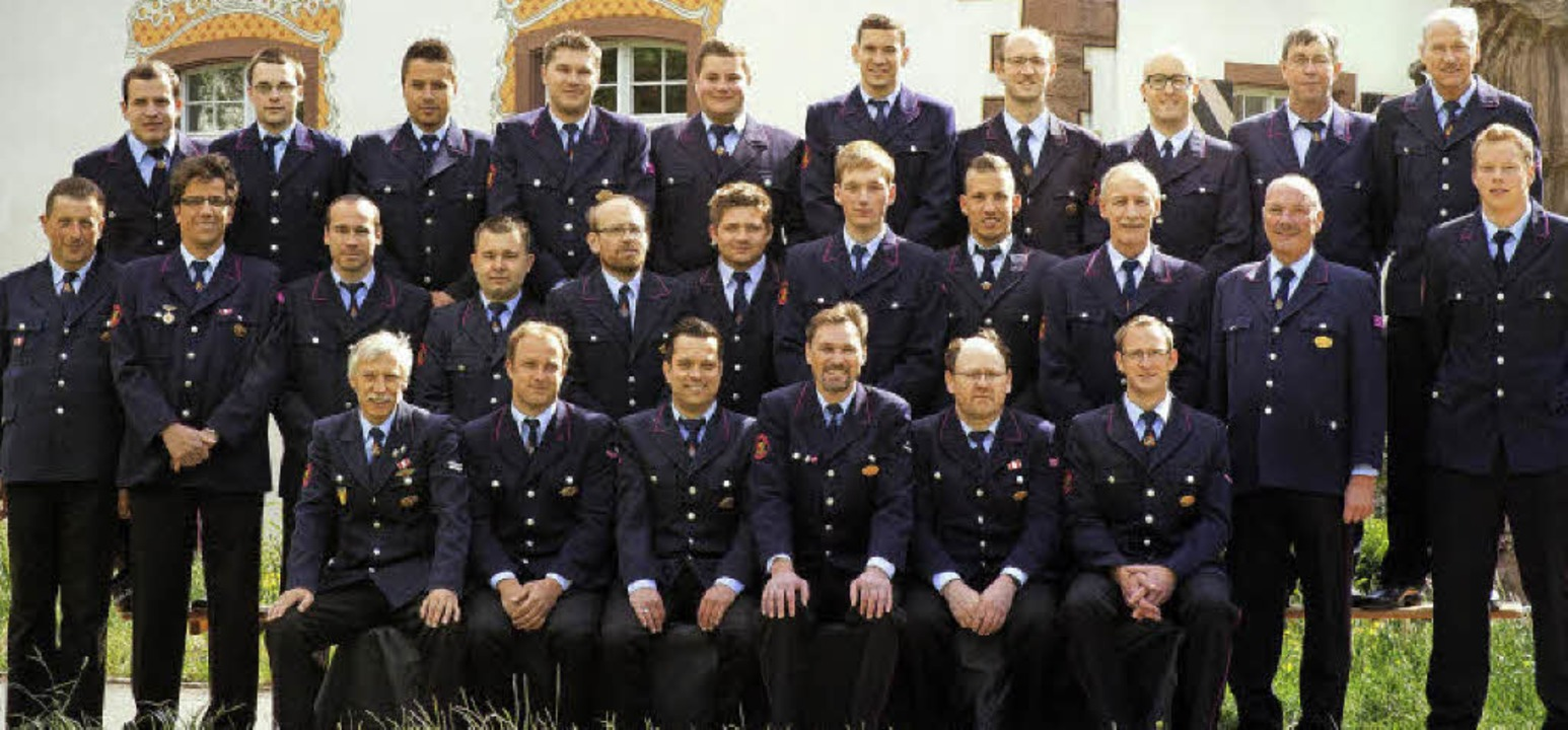 Die Aktivenmannschaft der Inzlinger Feuerwehr     Foto: MH Photography