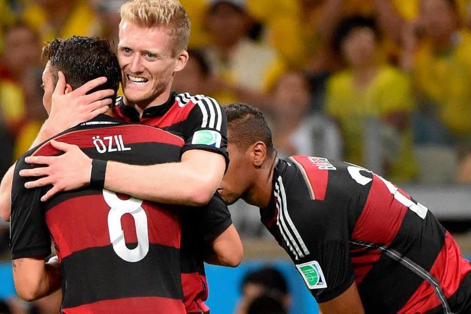 Die deutschen Fußballer liefern eine Fußball-Gala ab. (Foto: AFP)