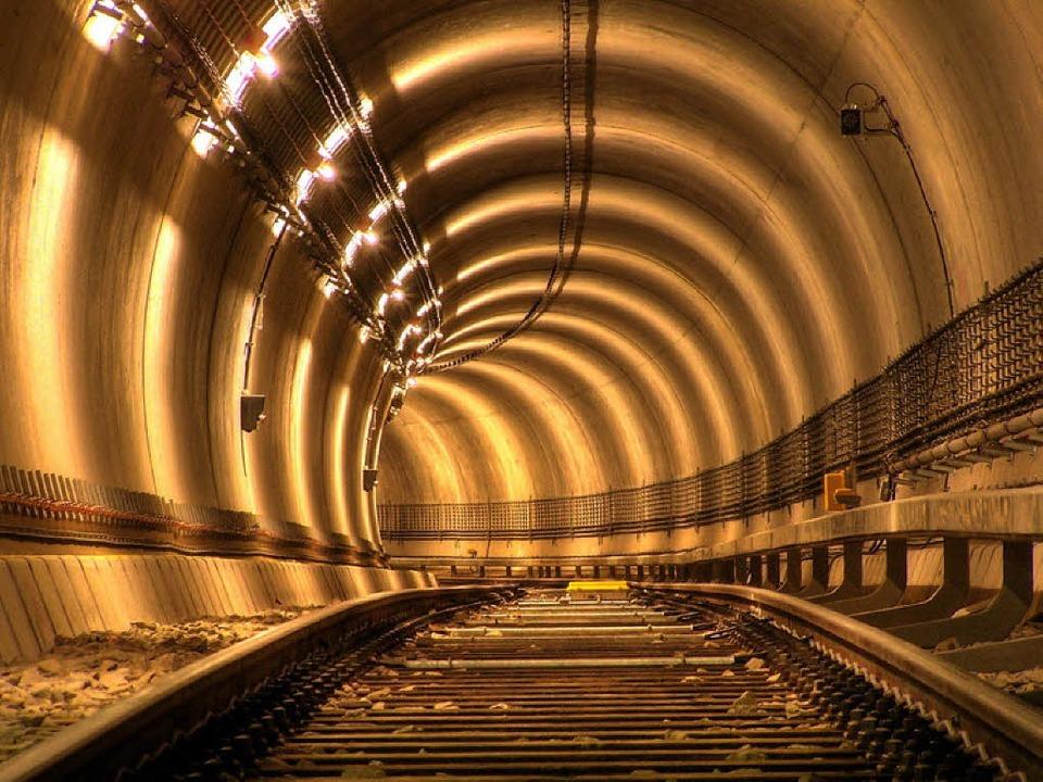 Mit der Eisenbahn unter Offenburg hindurch – das kann Realität werden.  | Foto: fotolia.com/Adamus