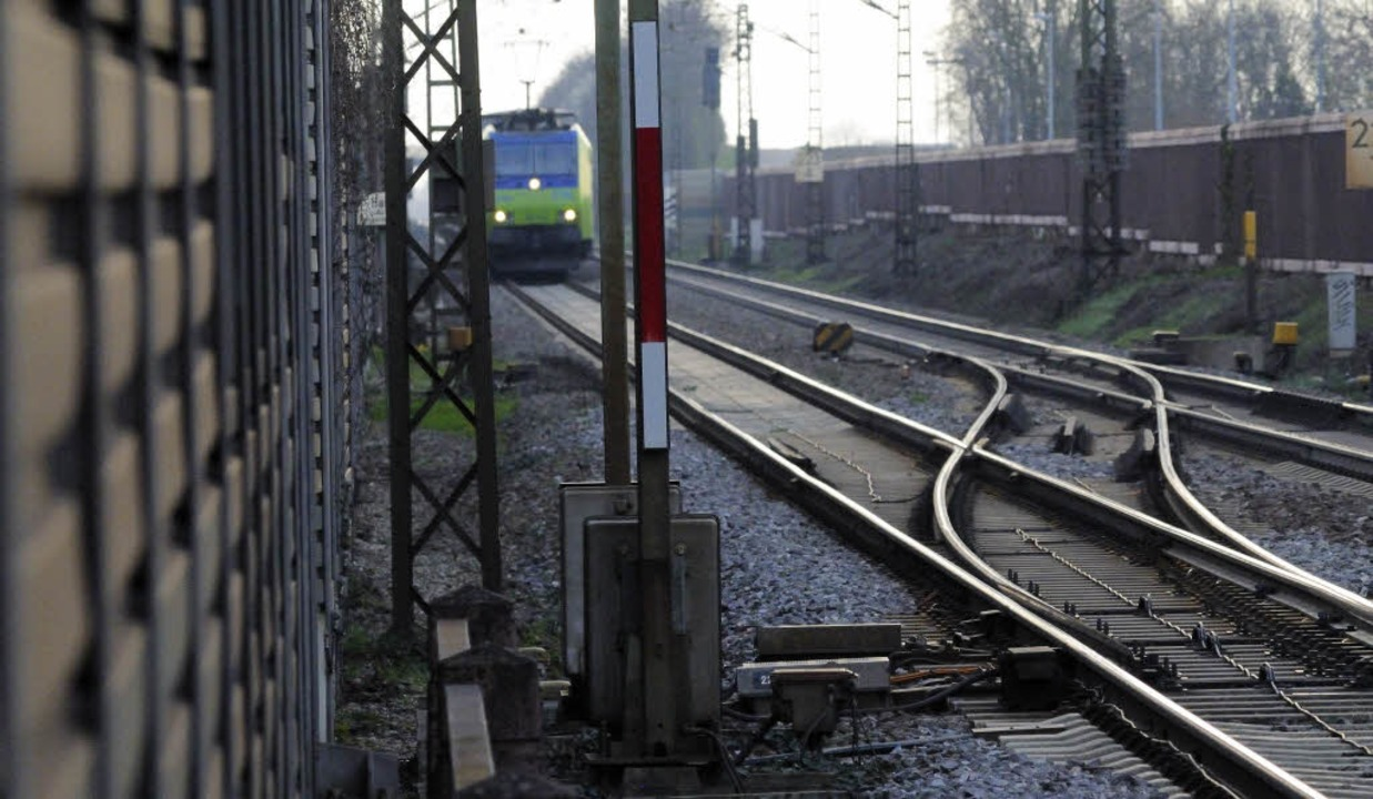 Der Ausbau der Rheintalbahn ist derzeit auf rund 6 Milliarden Euro veranschlagt.  | Foto: Siegfried Gollrad
