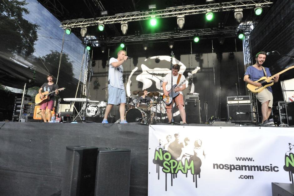 No Spam durften als Vorband von La Brass Banda den Emmendinger Schlossplatz vorglühen (Foto: Markus Zimmermann)