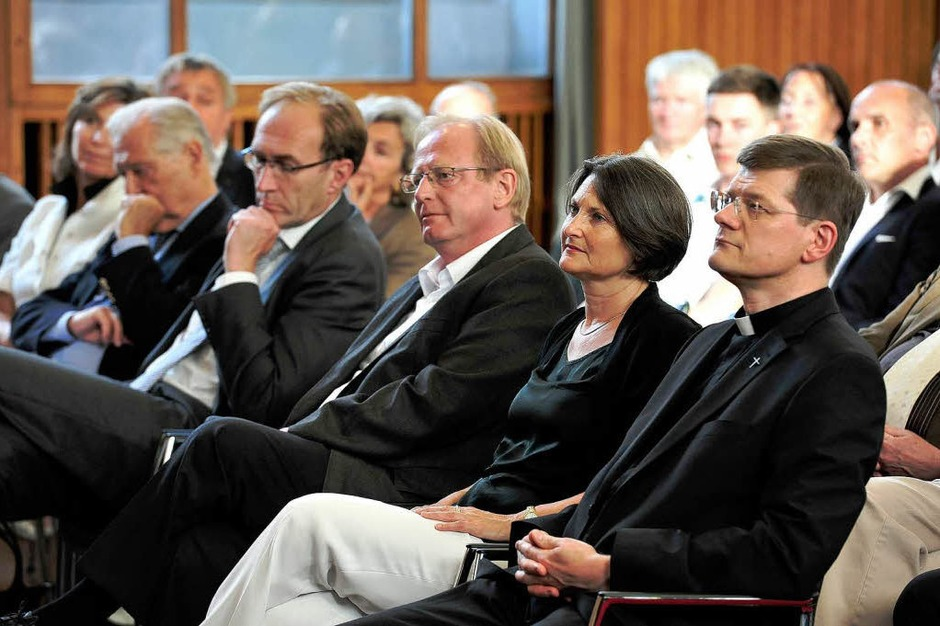 Auch Erzbischof Stephan Burger (rechts) war zur Vorlesung gekommen. (Foto: Thomas Kunz)