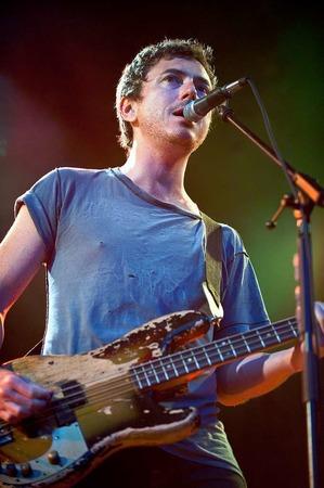 Greift tiefe Bassakkorde: Babyshambles-Bassist Drew McConnell.