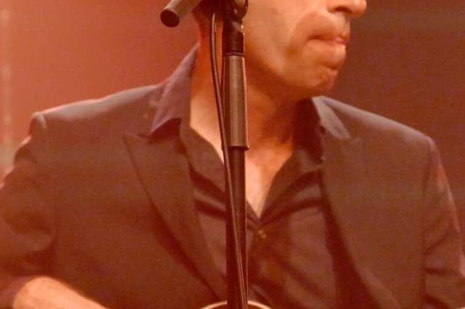 An Bass, Cello, Cajon: Der Argentinier Martin Iannaccone (Foto: Hans-Peter Müller)