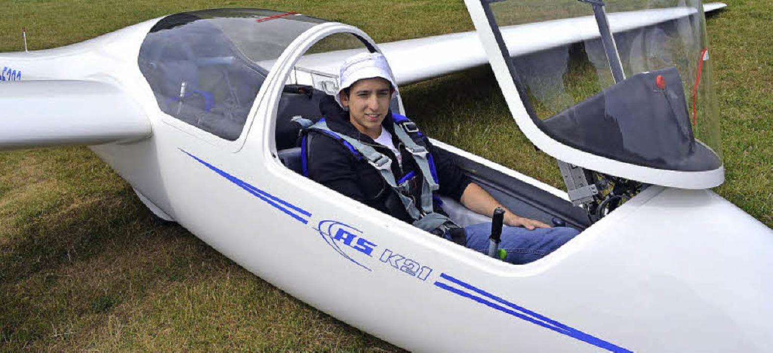 Muharrem Sahiner mit dem Schulungsdopp... der Luftsportgemeinschaft Hotzenwald   | Foto: zvg