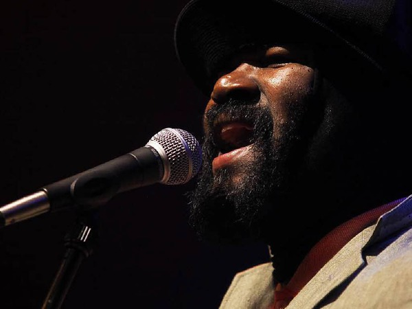 Gregory Porter konzentriert sich auf das, was er am besten kann: singen.