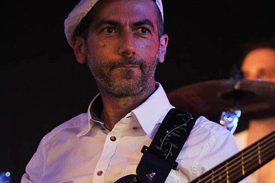 Äl Jawala-Bassist Daniel Verdier. (Foto: Wolfgang Grabherr)