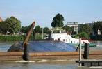 Fotos: Frachter havariert im Rhein bei Basel – Schiffe kollidieren