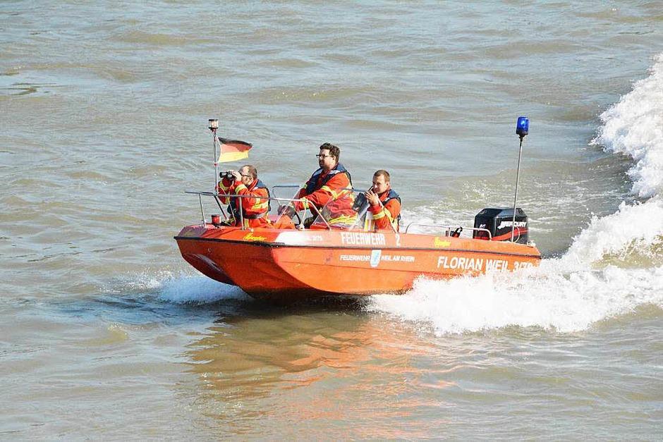 Schiffsunglück auf dem Rhein – havarierter Frachter kollidiert mit zwei Hotelschiffen. (Foto: Hannes Lauber)