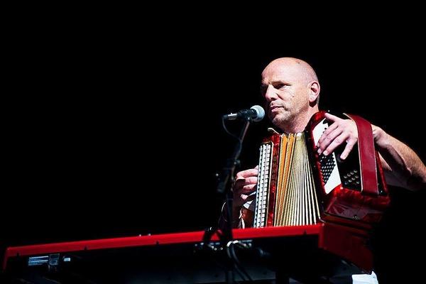 Axel Prahl und das Inselorchester beim ZMF