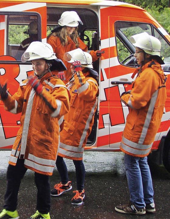 Realschüler als Feuerwehrmänner    Foto: privat