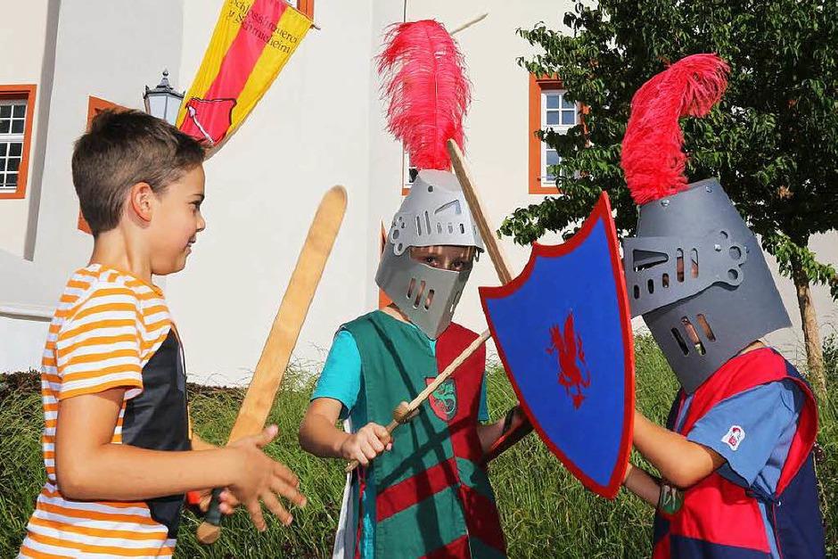 Mittelalterliches Treiben bei den Schlossfestspielen In Schmieheim (Foto: Sandra Decoux-Kone)