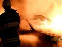 Mehrere Autos angez�ndet - Polizei geht von Serie aus