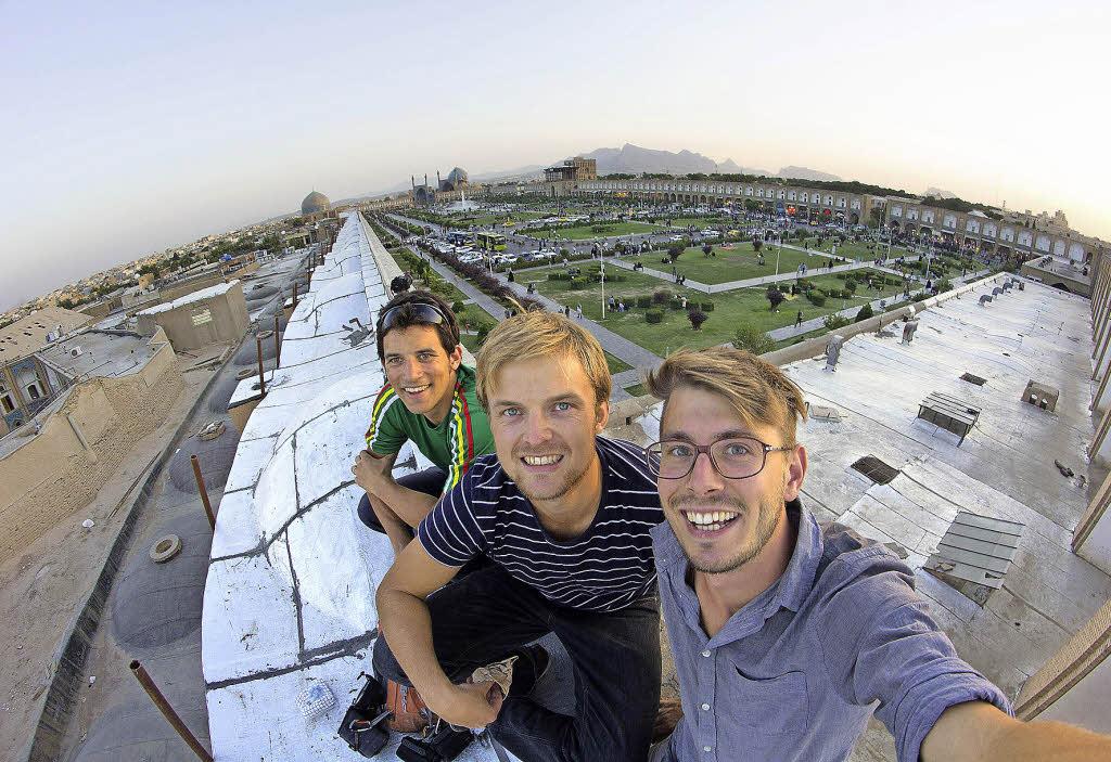 drei freiburger studenten drehen film in der partnerstadt isfahan freiburg badische zeitung. Black Bedroom Furniture Sets. Home Design Ideas