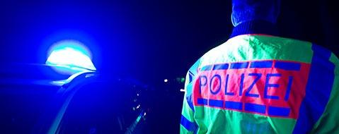 Versicherungsbetrug mit Unf�llen: Polizei hebt Bande aus