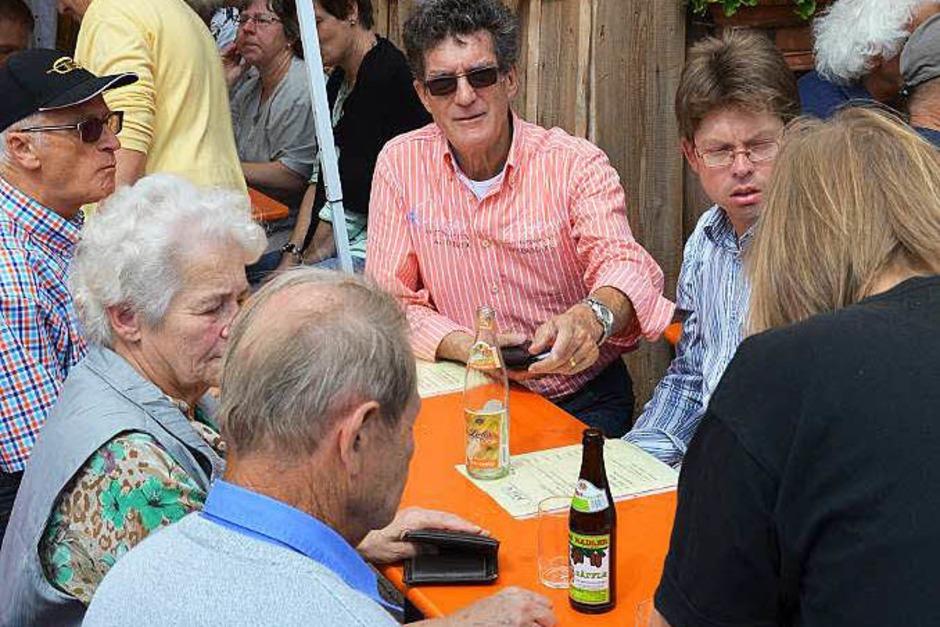 Beim 30. Wolfenweiler Weinfest der Gemeinde Schallstadt gab es guten Wein, gutgelaunte Festgäste und eine lustige Winzerolympiade. (Foto: Markus Donner)