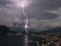 Dem Gewitter auf den Fersen: Unterwegs mit Sturmj�gern