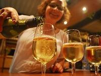 Zehntausende Besucher bei Badens gr��tem Weinfest