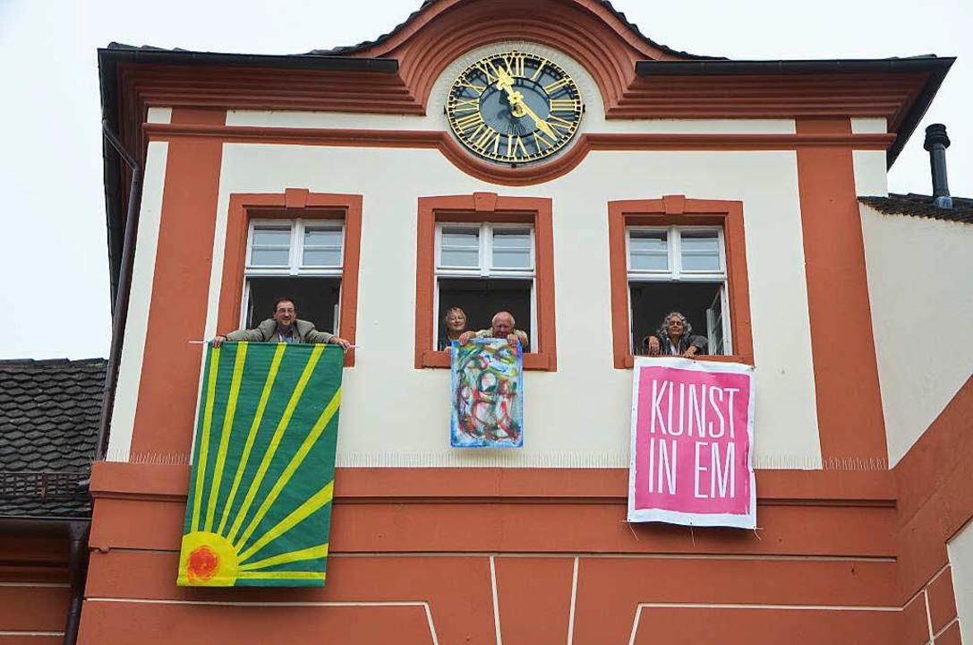 Aktivitäten zum Künstlermarkt: Werner ...run Kirschhöfer am Ort des Geschehens.  | Foto: Sylvia-Karina  Jahn
