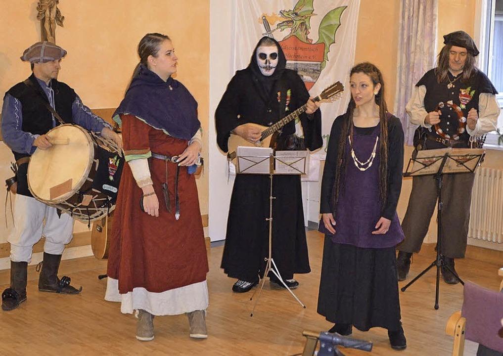 Die Spielleute von Skadefryd werden am...st ist am Dorfherbst einiges geboten.   | Foto: zvg