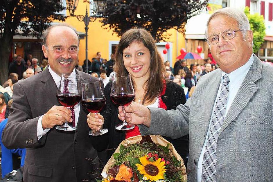 Das Dorf- und Weinfest in Bötzingen vereinigte wieder ein lustiges Völkchen aus der ganzen Region. Köstlicher Wein, gute Unterhaltung und eine vorzügliche Festküche ließen keine Wünsche offen. (Foto: Mario Schöneberg)