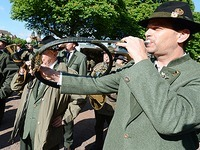 Gr�n-Rot �ndert Pl�ne f�r umstrittenes Jagdgesetz