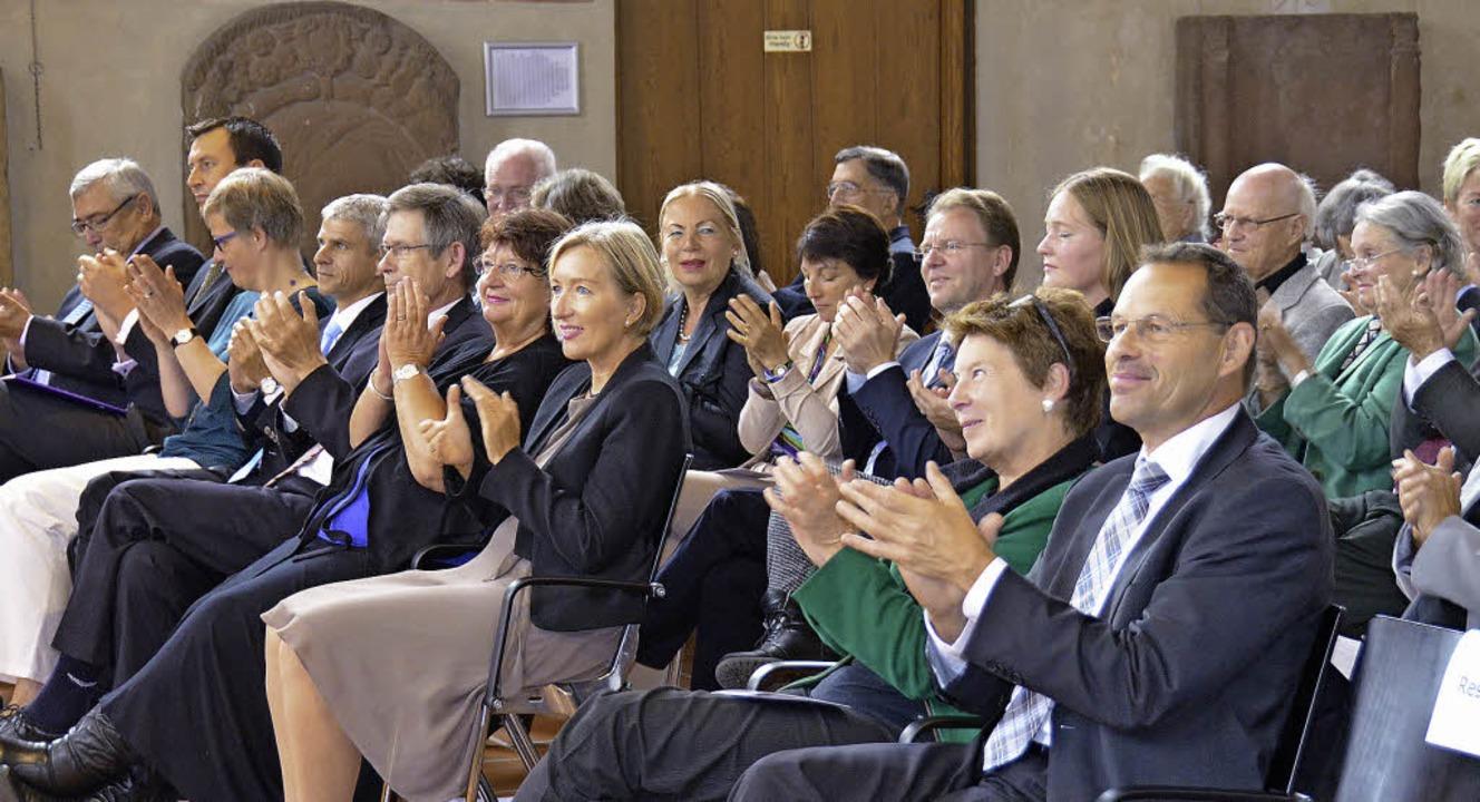 Der Bedeutung des Sozialwerks angemess...ahlreiche Gäste in der Martinskirche.     Foto: Sigrid Umiger