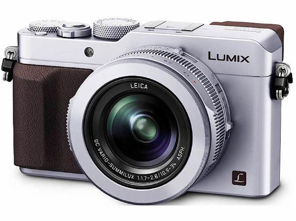 Doppeltes Lottchen: Die Leica D-Lux Typ 109  und die Panasonic LX100 (im Bild) sind technisch gleich, stecken aber in anderen Gehäusen