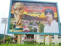 Joachim L�w kommt nach Sch�nau und wird Ehrenb�rger