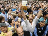 "Fotos: ""Ozapft is!"" – M�nchner Oktoberfest er�ffnet"