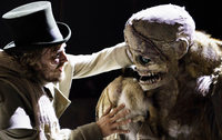 """Frankenstein"" mit Riesenpuppe am Theater in Basel"