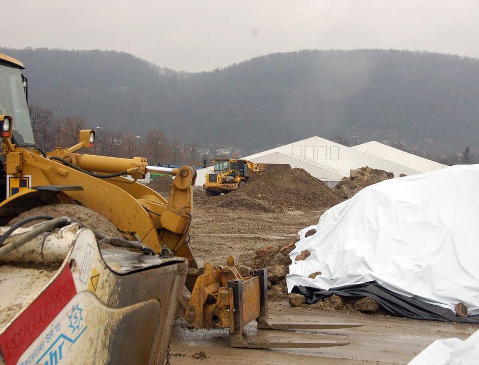 Ein Bild vom März 2009, als die Hirschackergrube saniert wurde.   | Foto: Ralf H. Dorweiler