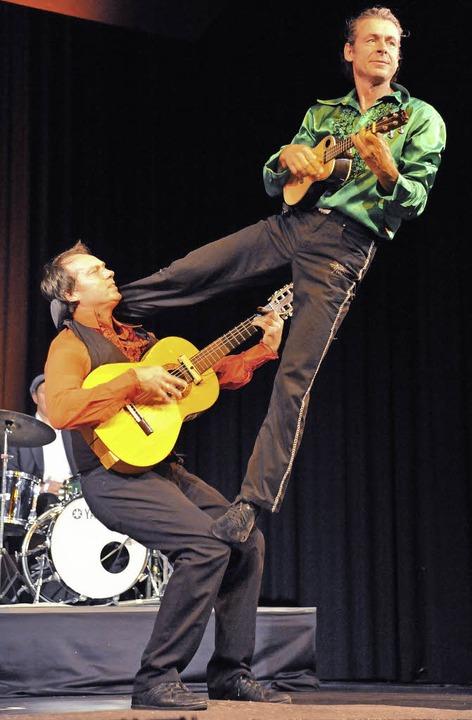 Auch in den schwierigsten Stellungen n... Flamencogitarren - das Duett Complett  | Foto: Markus Zimmermann