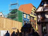 Bewohner von Riquewihr warten auf den Wiederaufbau