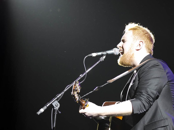 Support-Act: Gavin James.