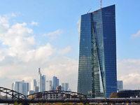 Der schr�ge Turm von Frankfurt