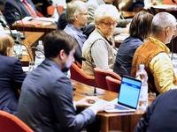 Satire-Eklat: Das Angiften geht im Freiburger Ratssaal weiter