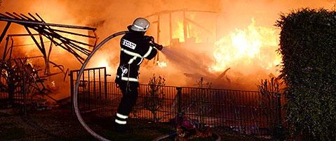 Explosion in Wohnwagen in Freiburg - Mehrere Verletzte