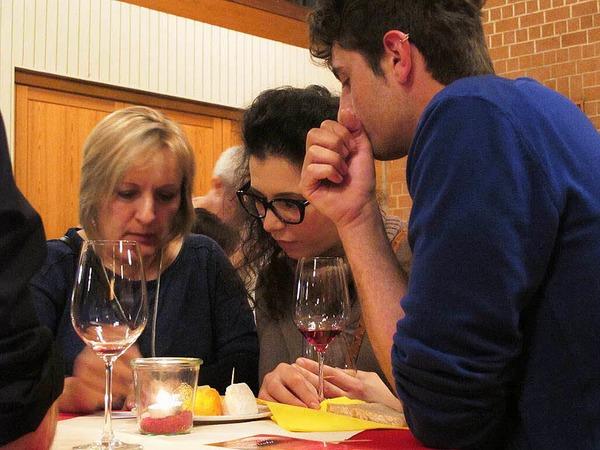 Auch  Notizen  in der Weinfibel wurden gemacht.